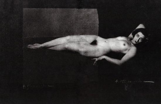 Albert Rudomine - Jeanne Hebuterne ( maitresse de Modigliani), 1917.(C) Albert Rudomine