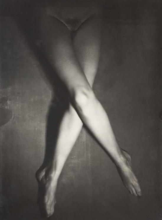 Albert Rudomine Les Jambes de Suzy Solidor, 1940 (C) Albert Rudomine