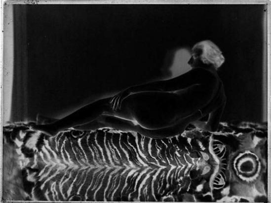 Albert Rudomine-Nu allongé, années 1930, negatif (C) Albert Rudomine