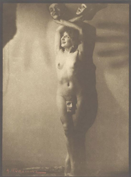 Albert Rudomine - Nu avec Mask et ombres de mains ,1930 (C) Albert Rudomine