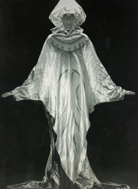 anomyme, Costume designed and worn by the famous designer Conte Etiene Beaumont, known for its grand masked balls in the years 20-25