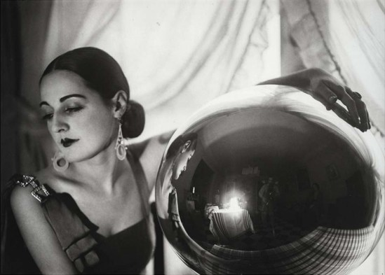 Jacques Henri Lartigue  Solange David, Paris, décembre 1929.