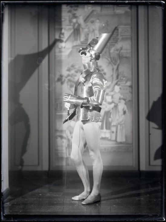 Man Ray - Gerald Murphy A ball of Count Etienne de Beaumont, Montparnasse in 1922