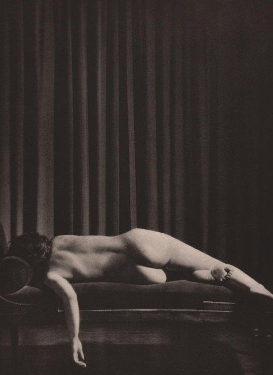 Mario Buchovich- Reclining nude 1935