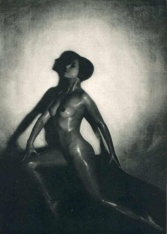 Maurice Beck- Nude, ( pose) photogravure, 1933