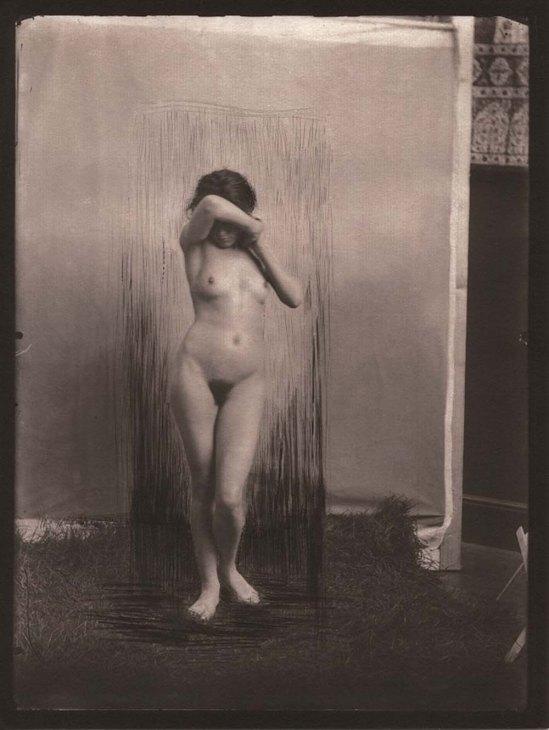 Robert-Demachy- Nu, modele dans la position de phryne, vers 1910, ( tirage-effectué-par-Claudine-Sudre-sur-papier-Salé, en 2012