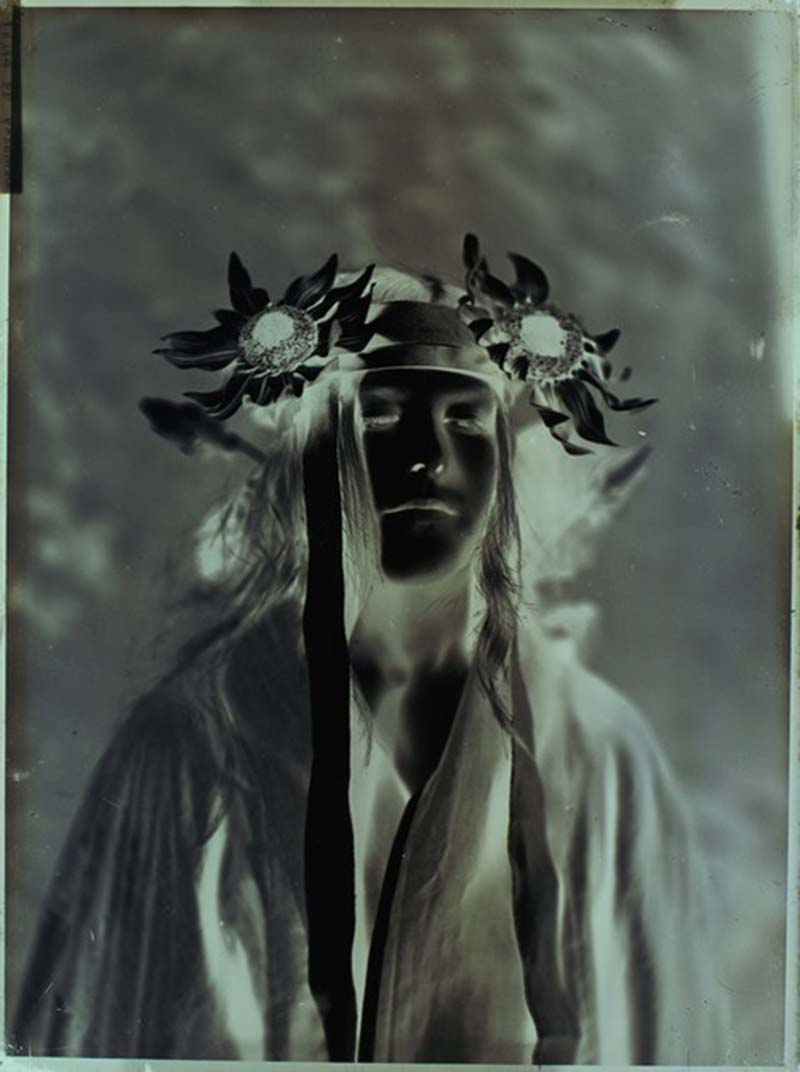 Robert Demachy- portrait de femme, plaque de verre négative au gélatino-bromure d'argent, 1905 ( negatif)