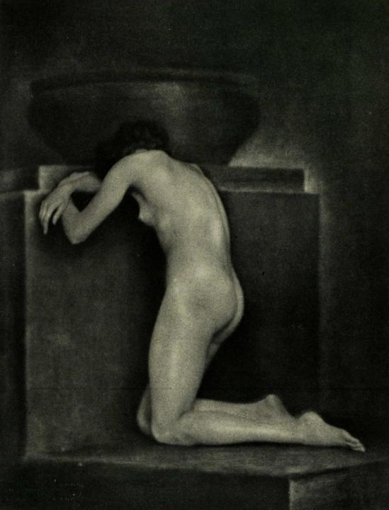 Trude Fleischmann - Grief, a study of a Viennese dancer, 1924