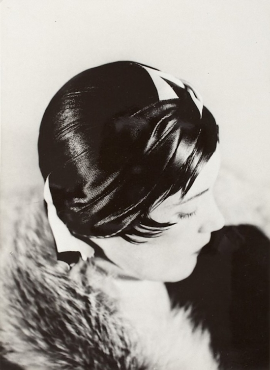 Werner Rohde - Renata Bracksieck with hat, 1930