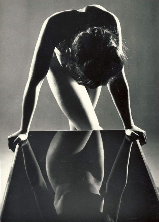 Zdeněk Virt - Akty, Prague. ( 15 tirages argentiques de nus féminins). Orbis, 1967 plate 13
