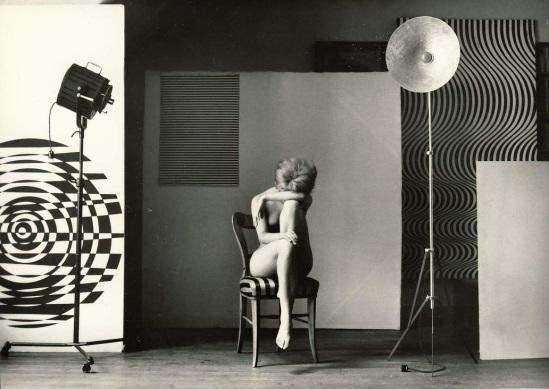Zdeněk Virt - Akty, Prague. ( 15 tirages argentiques de nus féminins). Orbis, 1967 plate 6
