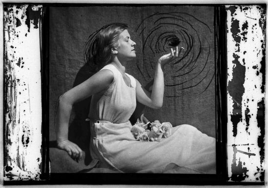 Domicelė Tarabildienė - vertus , 1932