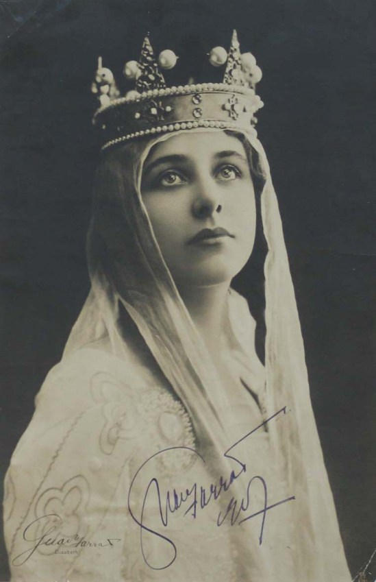 Geraldine Farrar as as Elizabeth in Tannhäuser, by reutlinger around handing colored,around 1910s edited By ?.( first representation was at the Metropolitan Opera House February 6, 1907)