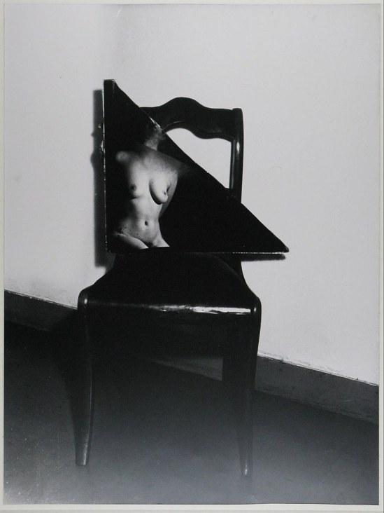 Wally Elenbaas-mirror  Naakt in gebroken spiegel ,1950