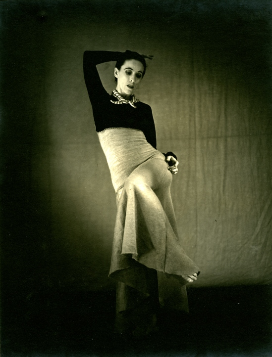 Barbara Morgan - Martha Graham , Deep Song, 1938