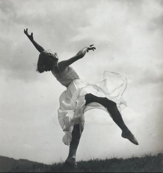 Blanc et Demilly- Danseuse, vers 1940