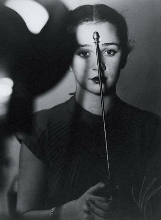 Blanc et Demilly-Femme brune (tête et buste) vers 1945-1950