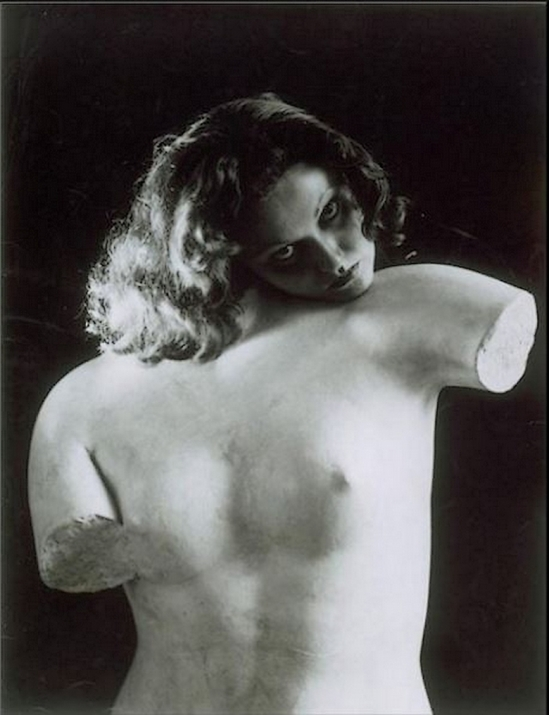 Erwin Blumendeld- Manina ou l'Ame du torse, 1934  au Musée national d'art moderne de Paris