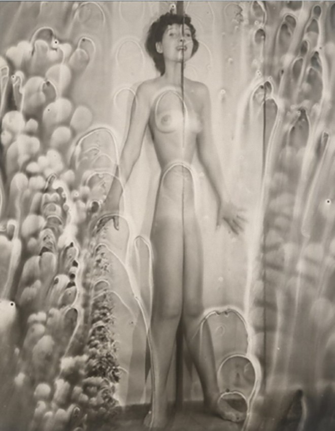 Erwin Blumenfeld -Distorted Nude With Bubbles- New York, 1950