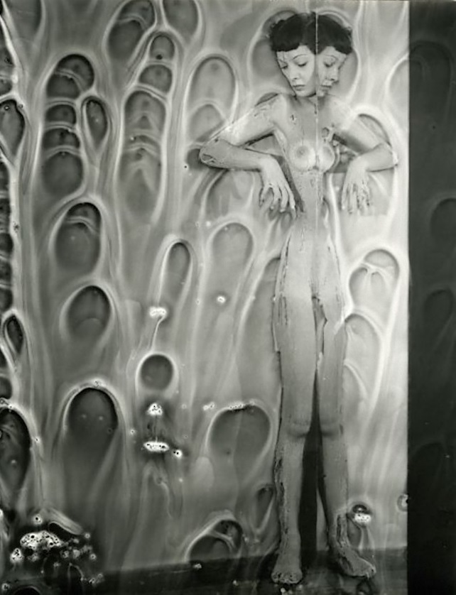 Erwin Blumenfeld - Mirror Nude with Chemicals, NYC 1950s.