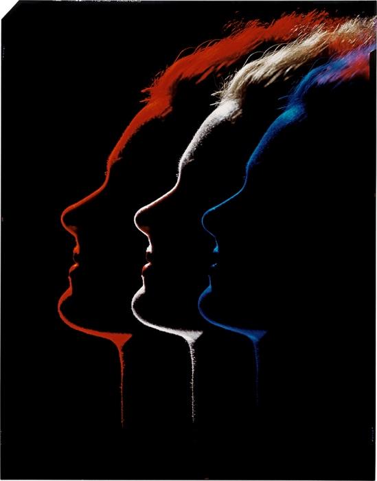 Erwin Blumenfeld- Trois profils. Variante de la photographie parue dans l'article Color and lighting[Couleur et éclairage], de Photograph Annual 1952