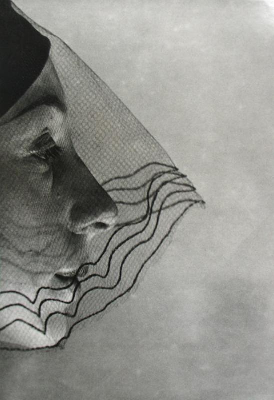 Erwin Blumenfeld     Veiled Face ,1932