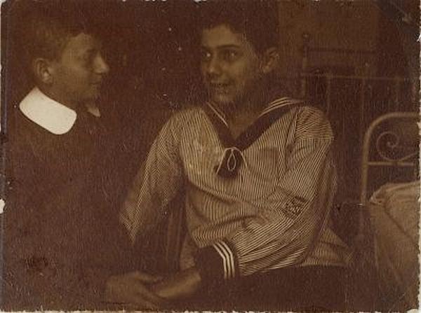 Erwin Blumenfield- double portrait  Erwin Blumenfeld  et paul Citoenn, 1908, ( museé amsterdam)