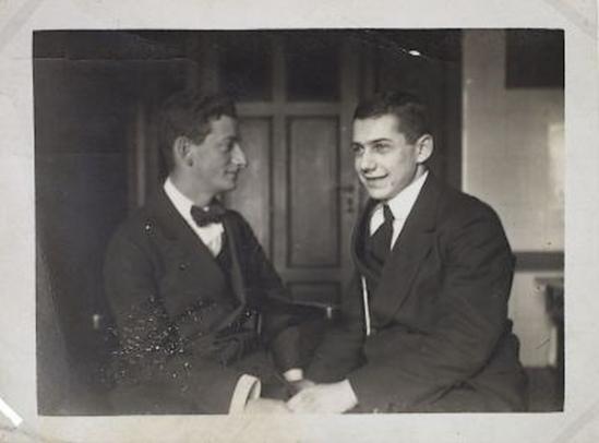 Erwin Blumenfield- double portrait  Erwin Blumenfeld  et paul Citoenn, 1916, ( museé amsterdam)