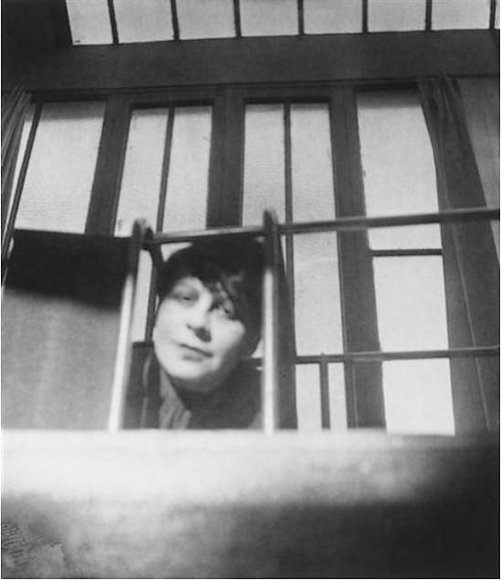 Florence Henri - Autoportrait à la fenêtre, 1928 ( pompidou)