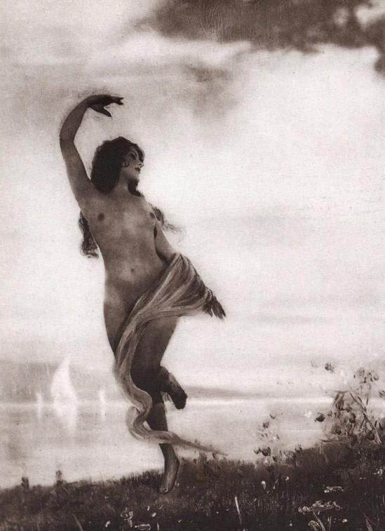 Beatrice Kessler  nackt
