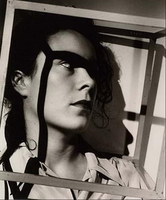Gyorgy Kepes- Woman in cube, 1938