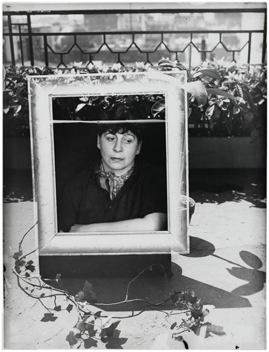 Henri Florence- Autoportrait dans un cadre ,1938 ( pompidou)
