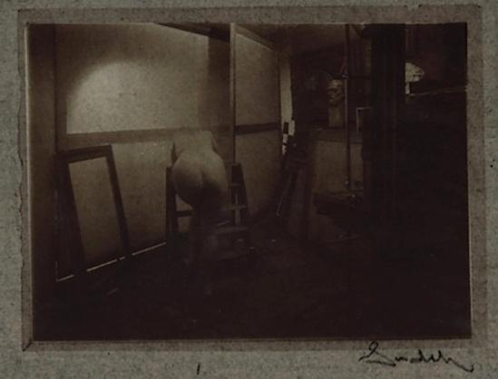 Josef Sudek- Dans l'atelier[ etude de nu] vers 1952