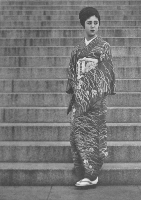 Katsuji Fukuda-Gheisha , 1937 from the book How to Photograph Women. Japan ARS