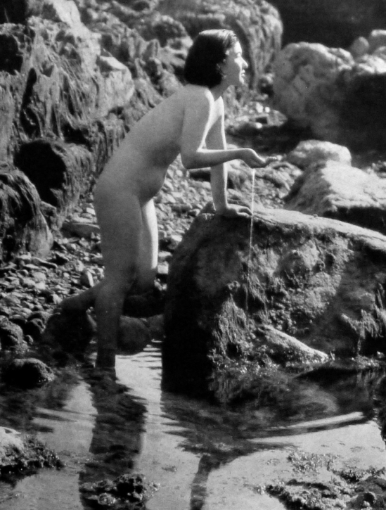 Katsuji Fukuda nude from the book Hana to Rafu to - Nude et Fleur Japan, Ivuningusuta-sha (Evening Star Sha), 1947