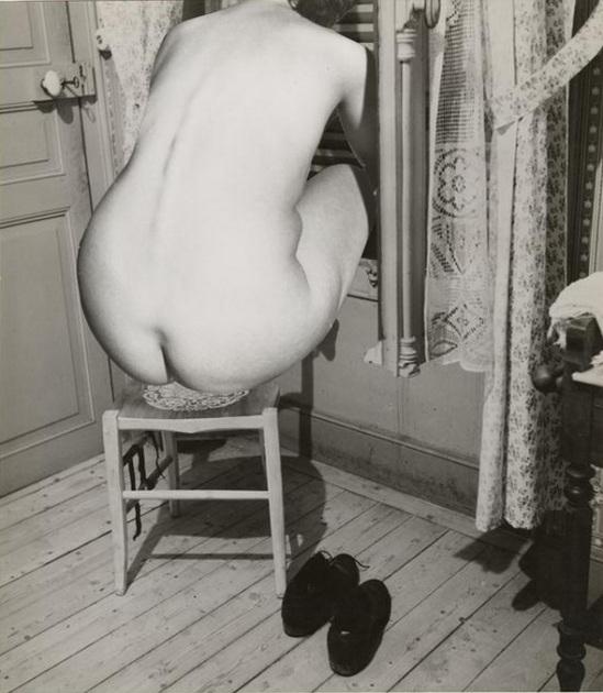 Marcel Bovis- photomontage Nu féminin de dos et décor de chambre d'hôtel , nd