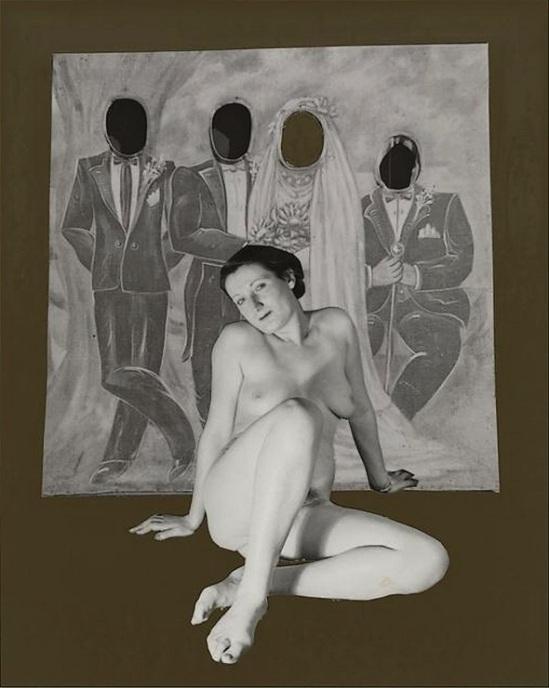 Marcel Bovis- photomontage Nu féminin, panneau de photographe extrait de la série sur les Fêtes foraines en arrière-plan. , 1990