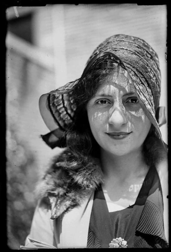 Paul Citroën- Portrait de Lotte Hammerschlag, 1930