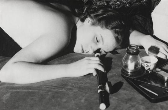 Roger Parry -Etude pour la couverture de Les Trois jeunes filles de Vienne (fumeuse d'opium), 1934