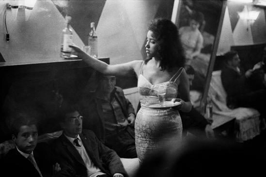 Sergio Larrain Bar. Valparaiso 1963.