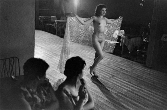 Sergio Larrain Bar. Valparaiso, 1963.