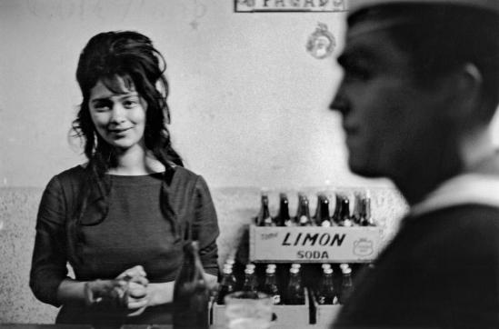 Sergio Larrain- Cafe, Valparaiso, Chile 1963