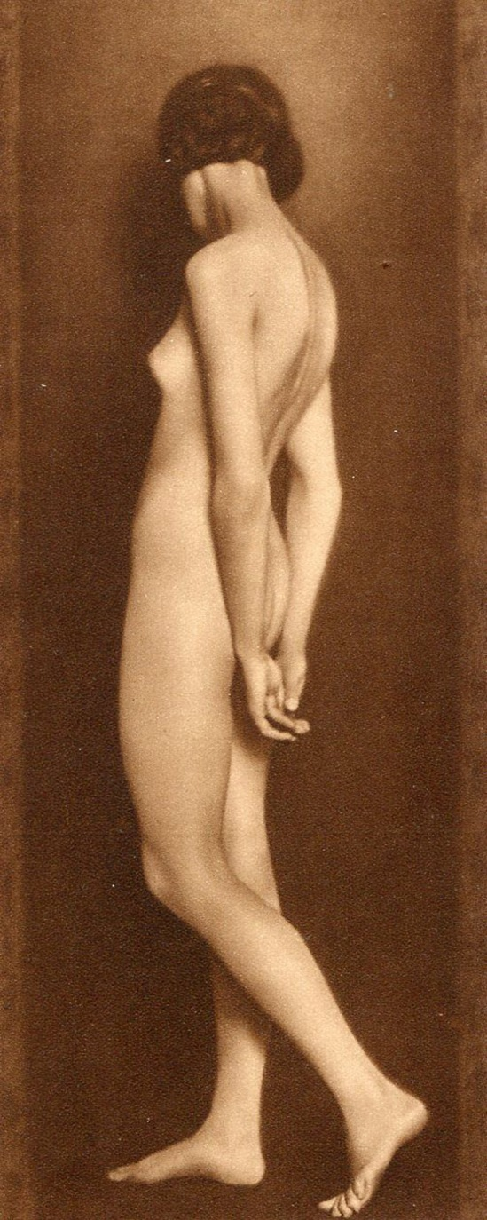 Trude Fleischmann -American nude woman, Veinna, 1926