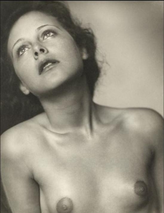 Trude Fleischmann-Hedy Lamarr. 1930