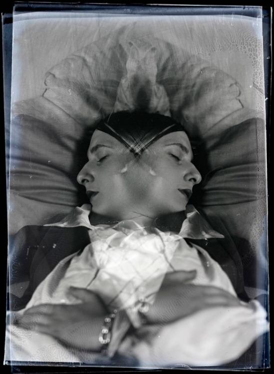 Man Ray - Edith Foujita, (ex Mme Fargue)  vers 1930