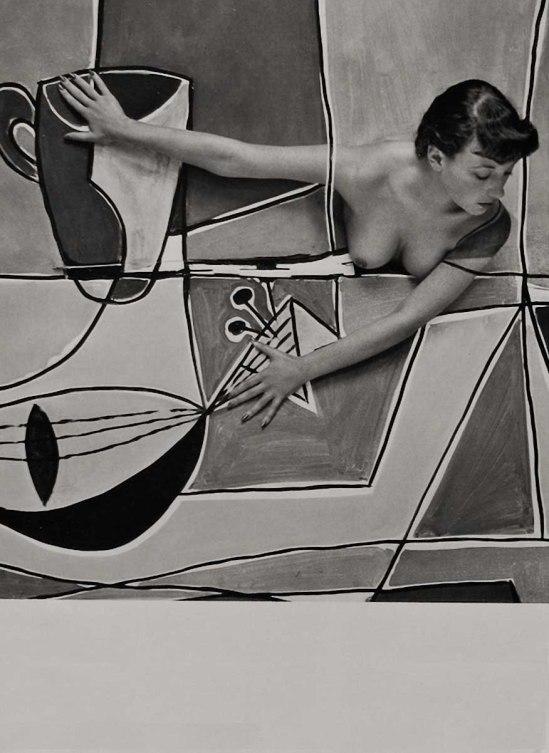 OLTAN Verre Pamela vert, (une collaboration entre le verre et l'artiste James Hull, qui a peint l'image de la toile directement sur et à travers le modèle elle-même