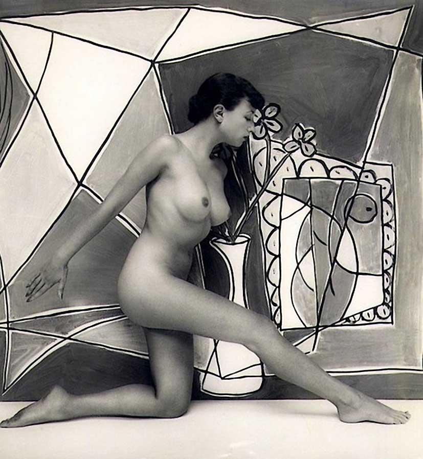 Zoltán Verre Pamela vert, (une collaboration entre le verre et l'artiste James Hull, qui a peint l'image de la toile directement sur et à travers le modèle elle-même.,