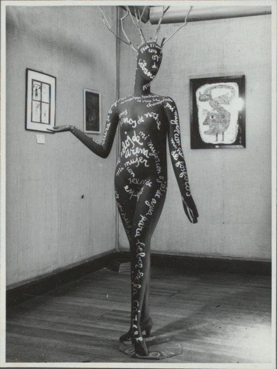 Jorge Caceres – Maniquí poema, Exposición surrealista, 1948 , published in Leitmotiv (Edited by Braulio Arenas)