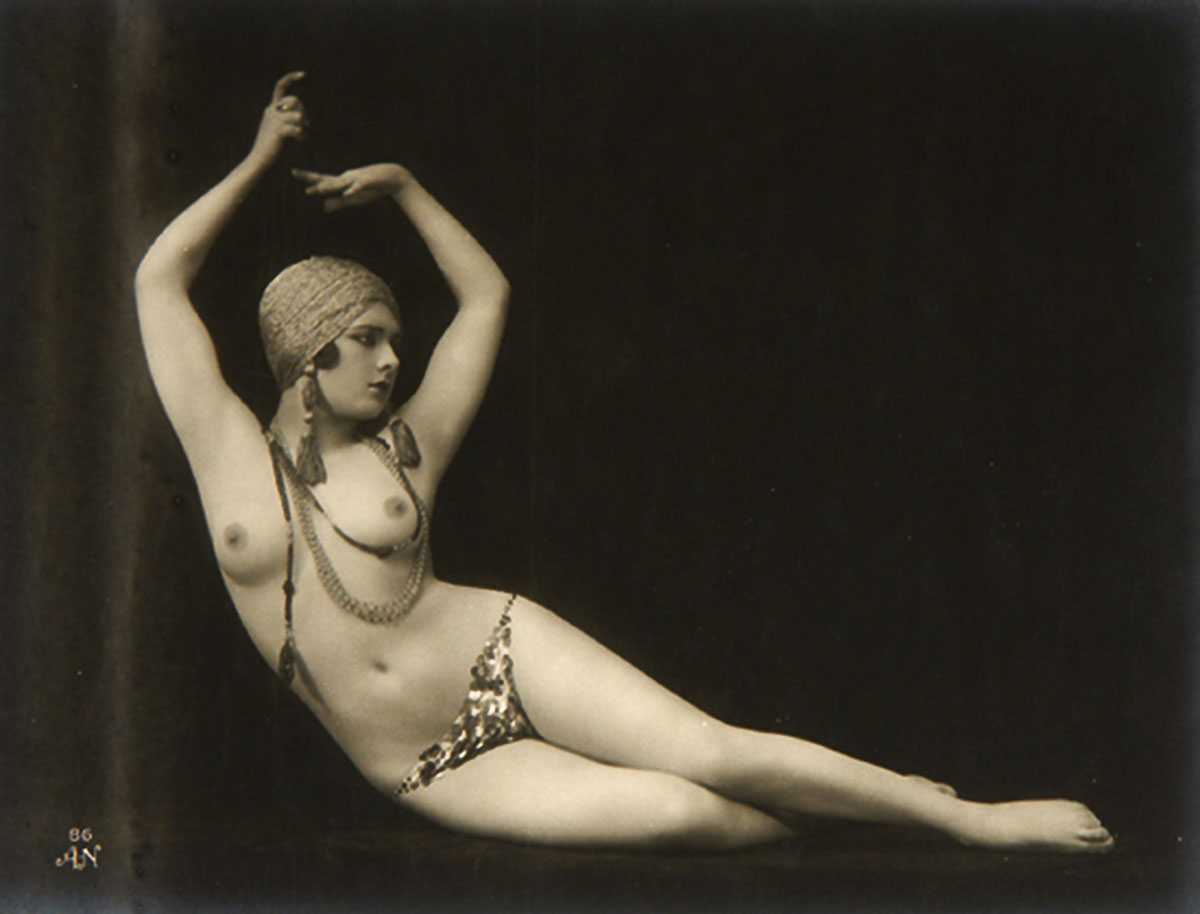 Julien Mandel  -  ( A Noyer editeur) Study of nude, 1920