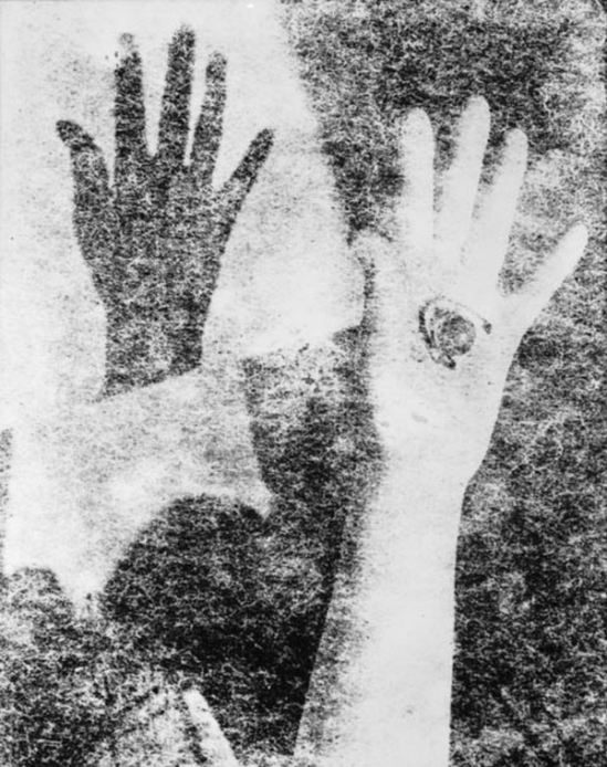 Title Unknown [variant of 'The Hand'] , 1938